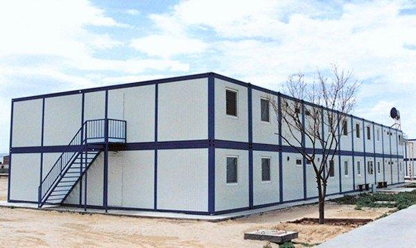 модульное здания с обустроенным участком